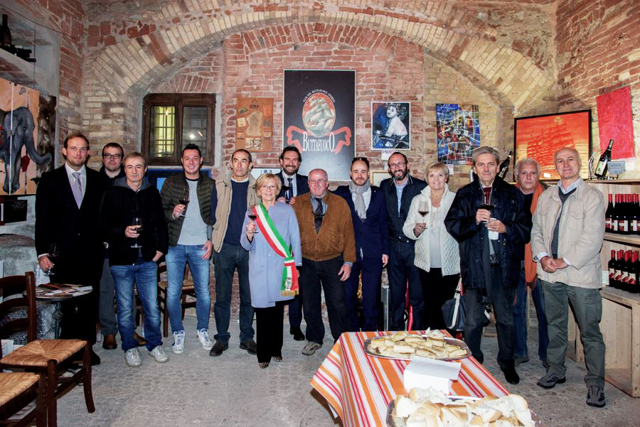 soci piazza The Club
